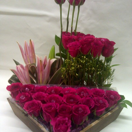 modern-rose-arrangement